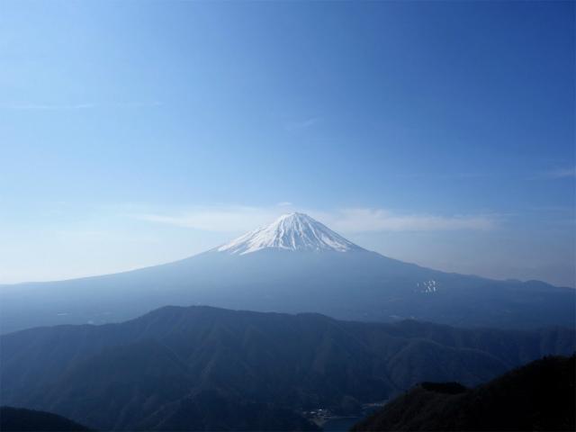 鬼ヶ岳(淵坂峠~毛無山~十二ヶ岳)登山口コースガイド 十ヶ岳山頂からの富士山【登山口ナビ】
