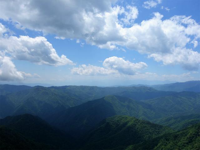 飛龍山(サオラ峠~ミサカ尾根)登山口コースガイド 禿岩からの南アルプスの眺望【登山口ナビ】