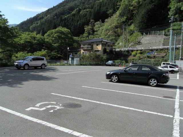 飛龍山(サオラ峠~ミサカ尾根)登山口コースガイド 道の駅たばやま【登山口ナビ】
