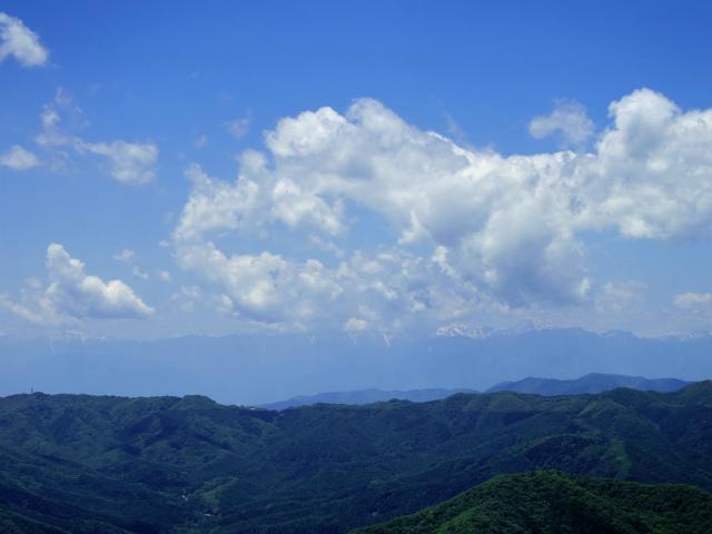 飛龍山(大常木林道~岩岳尾根)登山口コースガイド 岩稜から南アルプスの眺望【登山口ナビ】