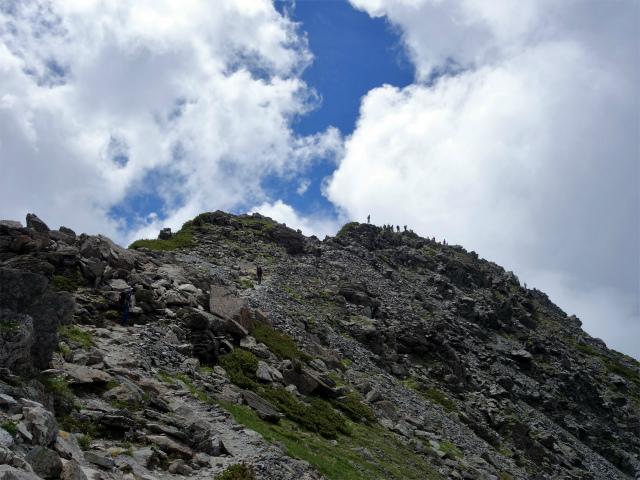 北岳(右俣コース)登山口コースガイド 山頂手前【登山口ナビ】