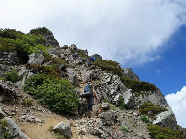 北岳(右俣コース)登山口コースガイド ロープの急登【登山口ナビ】