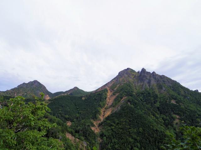 八ヶ岳・赤岳(地獄谷~ツルネ東陵)登山口コースガイド 天狗尾根の眺望【登山口ナビ】