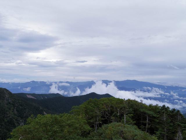 八ヶ岳・赤岳(地獄谷~ツルネ東陵)登山口コースガイド ツルネから奥秩父山塊の眺望【登山口ナビ】