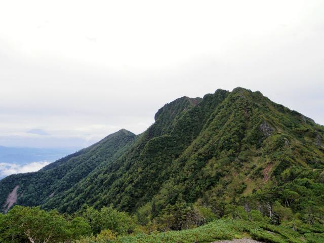 八ヶ岳・赤岳(地獄谷~ツルネ東陵)登山口コースガイド ツルネから権現岳と富士山の眺望【登山口ナビ】