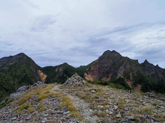 八ヶ岳・赤岳(地獄谷~ツルネ東陵)登山口コースガイド ピークからの眺望【登山口ナビ】