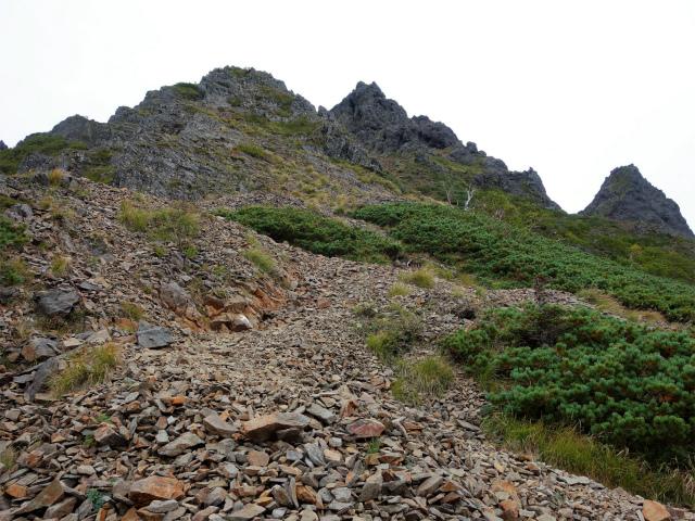 八ヶ岳・赤岳(地獄谷~ツルネ東陵)登山口コースガイド ガレた斜面【登山口ナビ】